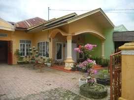 Dijual Rumah, luas dan dipinggir jalan utama perumahan pemda