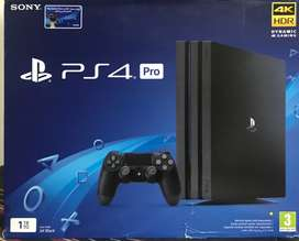 PLAYSTATION 4 PRO 1 TB WITH 06 Games