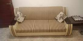 5 Seater SofaSet for Sale In Taxila