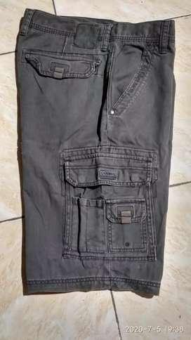 Celana pendek Cargo merk Cardinal...