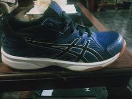 Asics upcourt 3 fresh shoes.