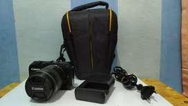 Mirorrless Canon EOS M