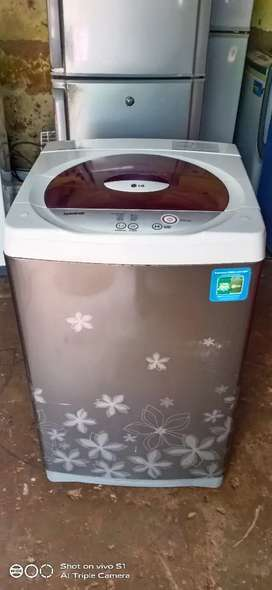LG 6.0kg fully automatic washing machine is available