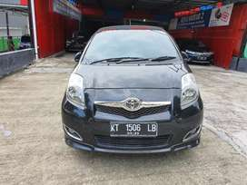 Toyota Yaris 1,5 tipe S Limited AT th2012 Hitam metalik tombol start