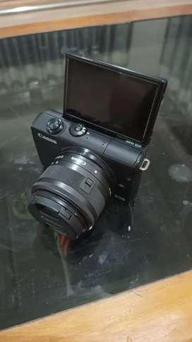 Canon M200