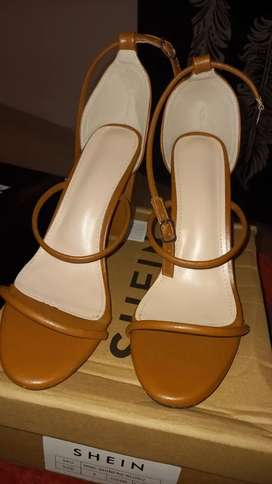 Good heel from shein Size 42