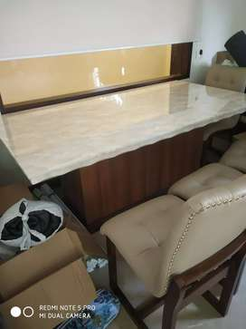 Marble dinning 6 chairs n board very beautiful