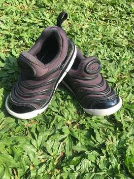 sepatu anak nike dinamo (preloved)