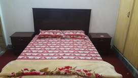 three months used bed set for sale 03349457_4_2_4
