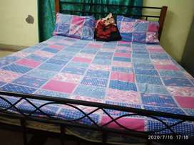 Double Bed Iron