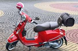 Vespa Primavera merah 2016 mesin dan body perfect aksesoris original