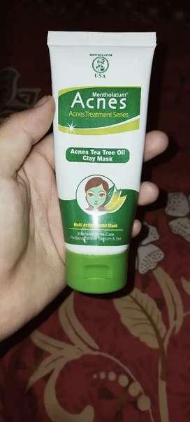 Masker acnes tea tree oil clay mask