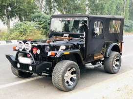 Open and close willys jeeps