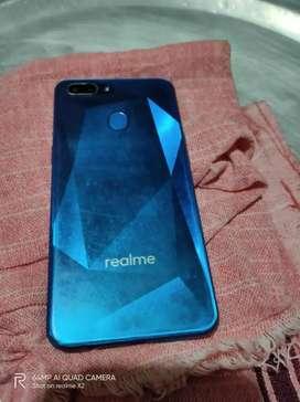 Realme 2.  3 GB 32