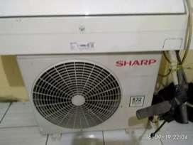 Di jual AC merk Sharp masih bagus tidak jadi dipasang