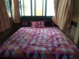 King size bed for sale in Mulund west