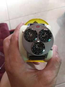 Jam tangan pria dgn 3 waktu aktif
