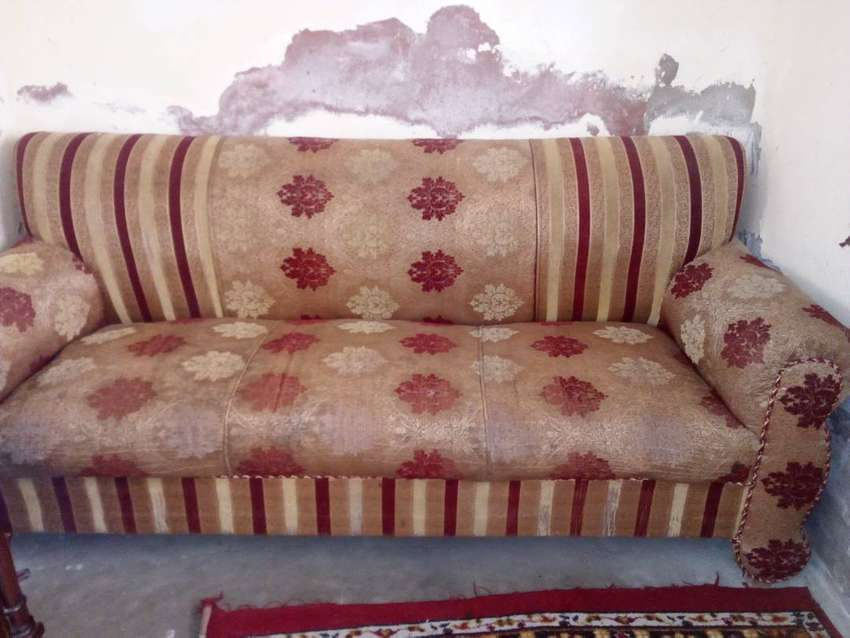 3 , 2, 1 sofa for sale in good condition
