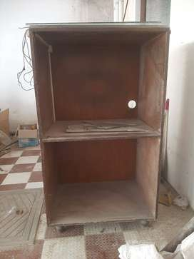 USED WOODEN CUBOARD PARTITION