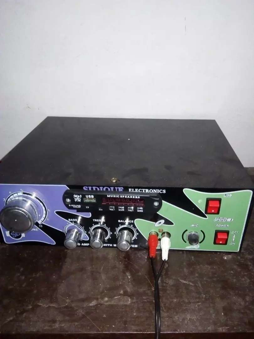 Amplifier with two 6 inch speaker's with 30ft wire 0