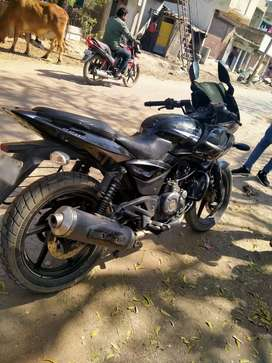 Pulsar220f good condition and frist owar