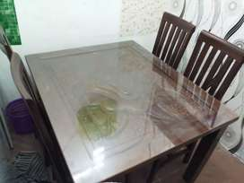 Meja makan minimalis 4 kursi kayu jati