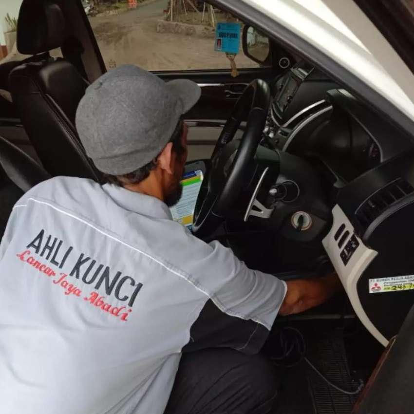Tukang Kunci Rumah Motor Mobil Brankas Bandung Murah