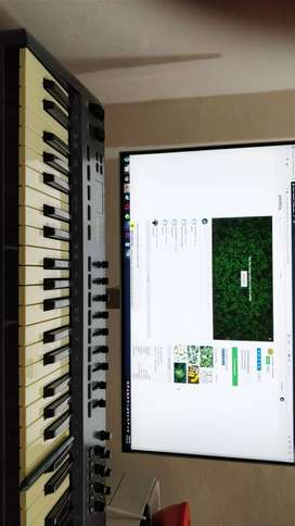 Oxygen 40 keyboard - used - beat creator - goregaon