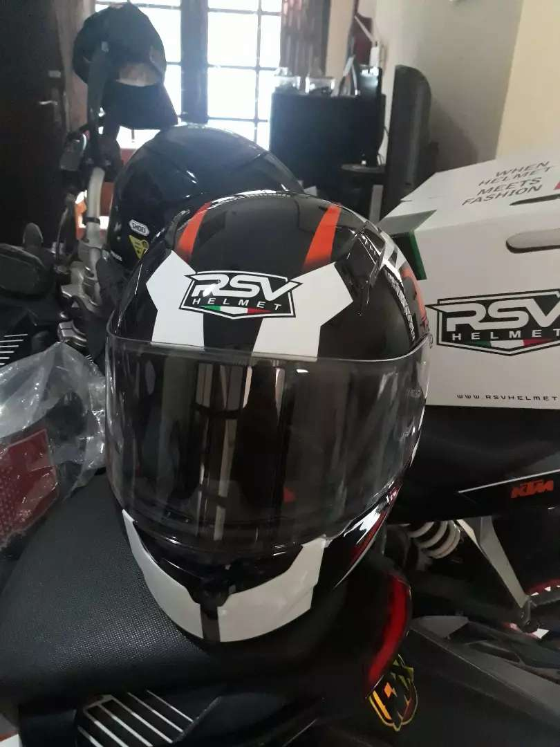 Helm full face RSV KTM Duke rc kondisi baru 0