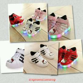 IC14-three colors kids girls LED hello kitty's boots