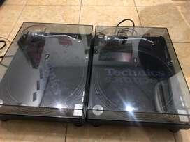 2 turntable technics 1210 mk5 like new