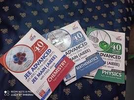 Jee Mains & Advance Preparation book by Disha Publication