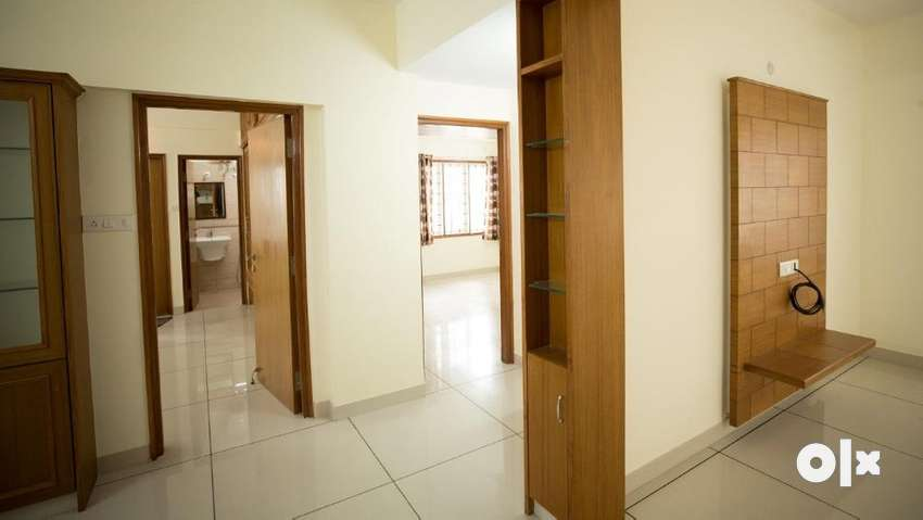 Ready Possession 2 BHK Flats for Sale in VARS Parkwood at Bellandur 0