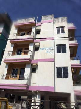 A 3bhk of 1230sqft flat at Kusum vihar Rd No-4, Morabadi is for sell.