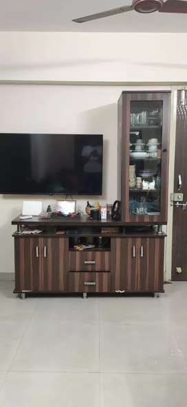 TV UNIT IN A VERY GOOD CONDITION