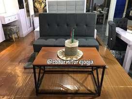 ready stock sofa keyrio dan mejanya .