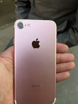 Iphone 7 32GB rose gold along with charger