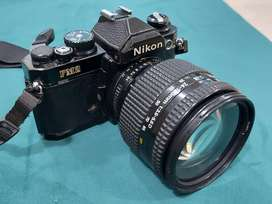 Nikon FM2 35mm Film SLR Camera with 24-120mm lens