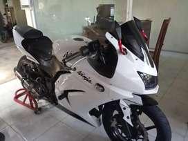 Bali dharma motor, jual Kawasaki ninja karbu thn 2010
