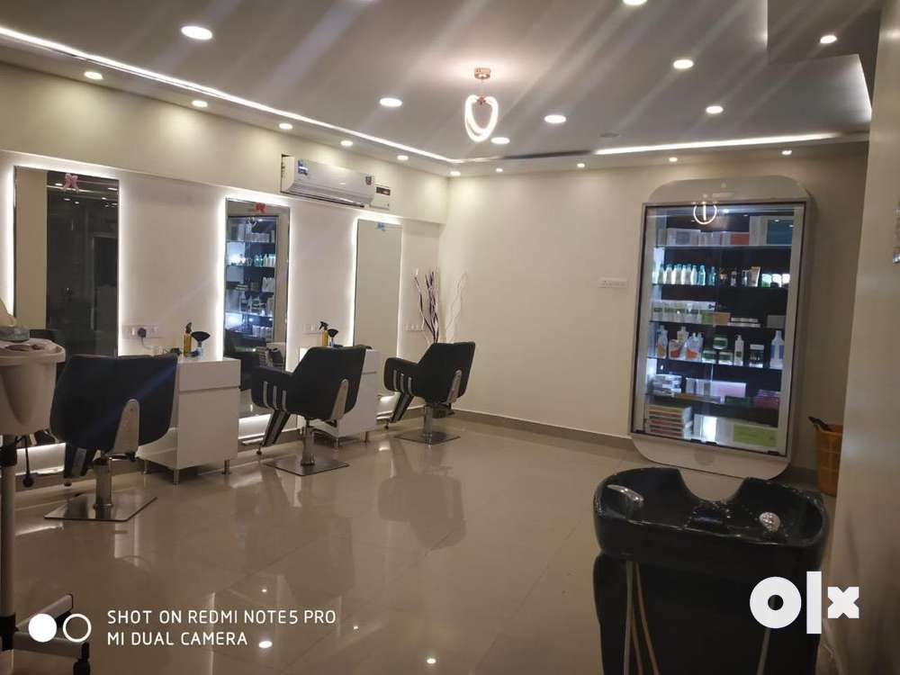 unisex salon for sale or wanted bunisess partner for salon.