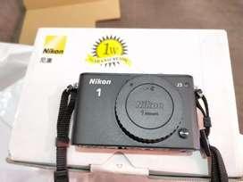 Nikon 1 J3 mirrorless