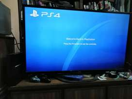 Jailbreak PS4 500 GBs with latest hack with 2 controllers and 9 games