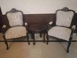 Chinoti Style room chairs with coffee table