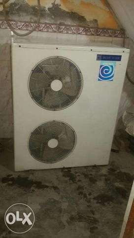 20 unit of ductable airconditioner available,2 ton,3 ton,5.5 ton brand