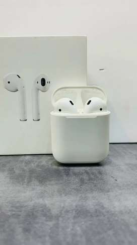 Apple Airpods 2 Under Warranty