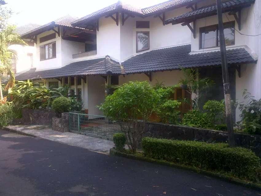 Dijual rumah mewah di Bintaro Tangerang Selatan