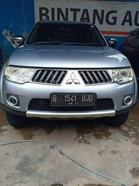 Mitsubishi Pajero GLS 4x2 Tahun 2011