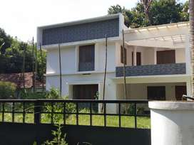 8 cent 1650 sqft 3 bhk house at paravur town near vazhikulangara