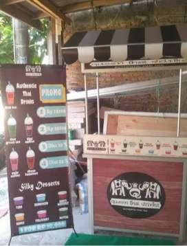 pusatnya event desk meja portable jualan produk thai tea di Solo Raya