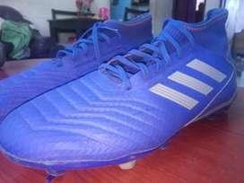 (Football.). Adidas..new..predator.